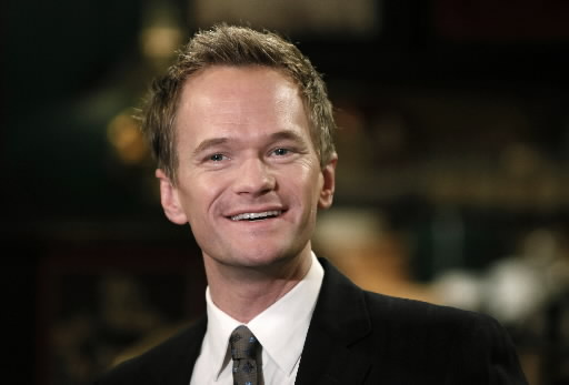 "Neil Patrick Harris Tweets An Apology After using the Term ""Tranny"" on Live with Kelly [video]"