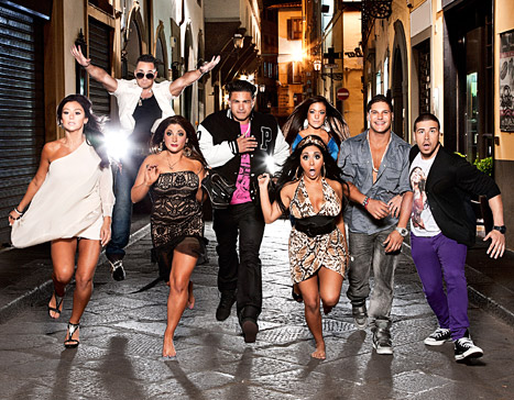 A Pregnant Snooki Signs on For Season 6 of Jersey Shore, Along with the Rest of the Crew.