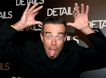 Carson Daly – Tweets Apology After Gay Jokes, Gay Community Not Buying it on Twitter