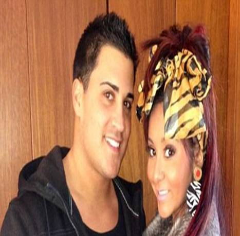Snooks and Jionni Tweet Official Engagement Photo including Pic of Snooki's Ring