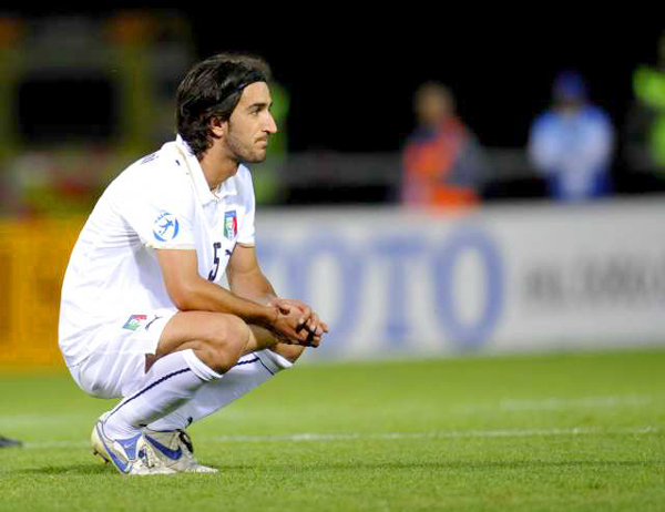 Soccor Player Piermario Morosini Collapses and Dies on the Field At the Age of 25!