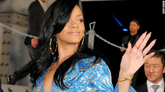 Rihanna Breaks Vevo's Record for Most Views in 24 Hrs, Dethrones Nicki Minaj [video]