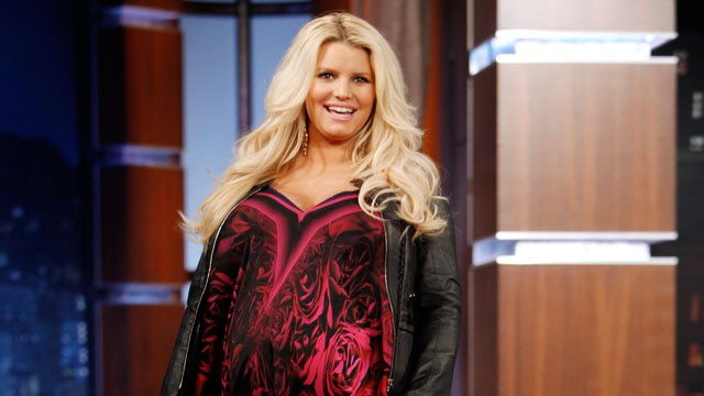 Jessica Simpson Finally Gives Birth to 9 lbs 13 oz Baby Girl!