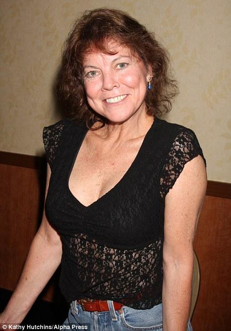 Erin Moran aka Joanie Cunningham found living in a Trailer Park in Indiana!