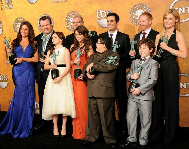 Modern Family Cast Suing  over Salaries.  Just How Much Are they Making?