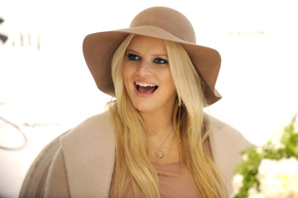 Jessica Simpson Reveals Weight Loss Struggle – I Think it's all a Set Up!