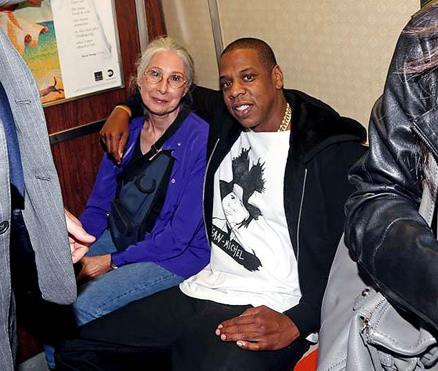 Jay-Z surprises fans as he Hits the Subway on his Way to the Barclay Center