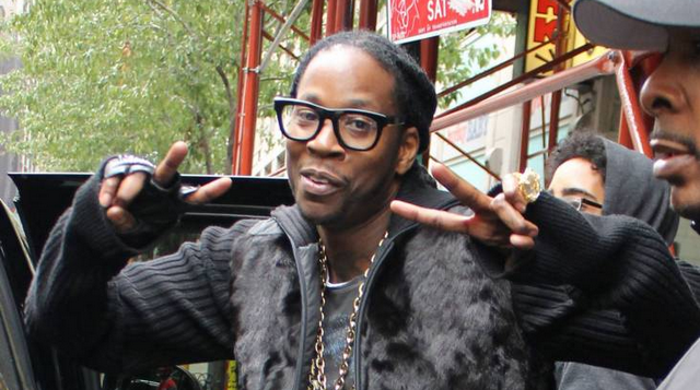 Video of 2 Chainz Getting Robbed