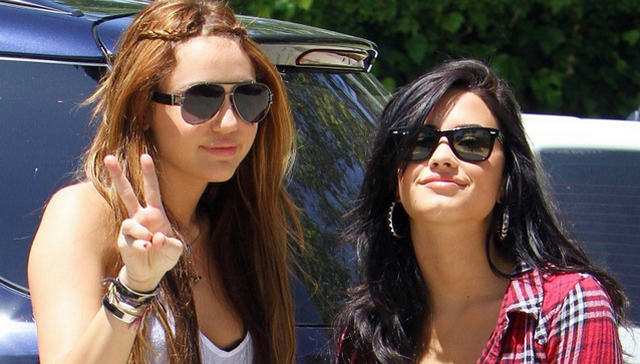 Demi Lovato Is Worried About Miley Cyrus