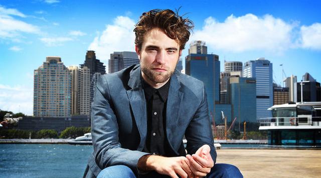 Robert Pattinson Reveals Terrible Problem That Eats Away At Him