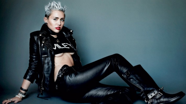 Miley Cyrus Brags About Calling Paparazzo A 'C*nt'