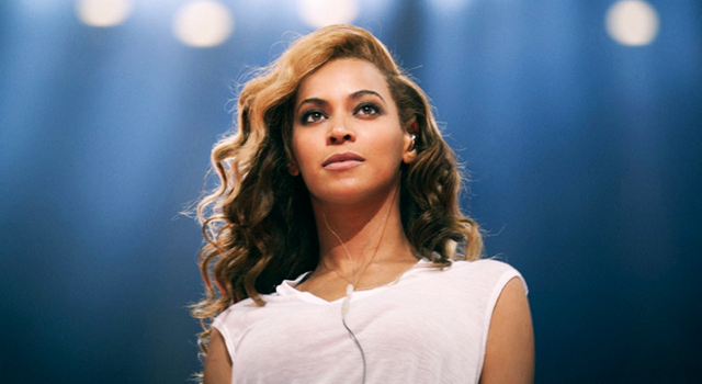 Queen Bey Freefalls From Auckland's Sky Tower (PHOTOS)
