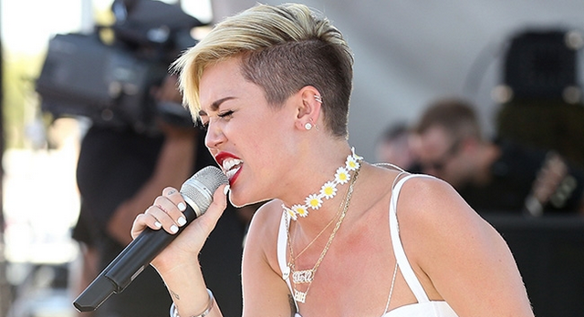Miley Cyrus Is Out Of Her Mind, Calls Herself An Underdog