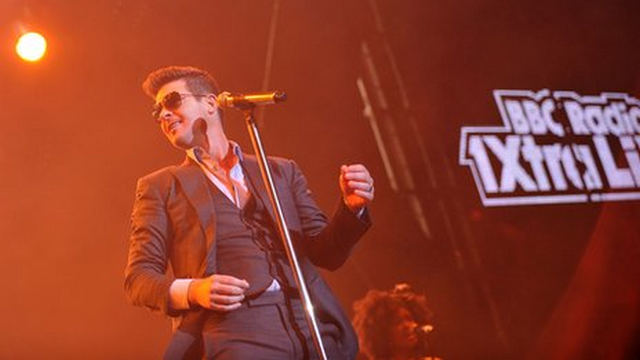Robin Thicke Claims 'Blurred Lines' Is About WHO?