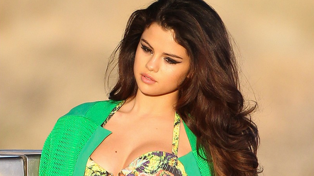 Selena Gomez Tells Fans That She's 'Not Sexy'