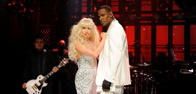 Lady Gaga's Raunchy SNL Performance With R. Kelly Shocks Everyone (VIDEO)
