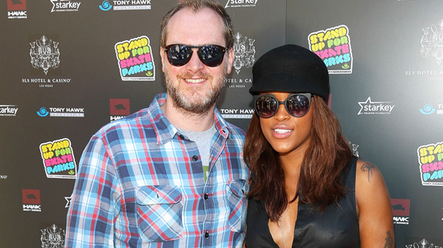 Eve Engaged to Maximillion Cooper, See the Ring Inside!