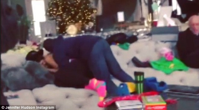 Jennifer Hudson Buys Her Assistant A House For Christmas! (VIDEO)