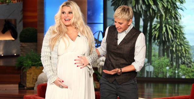 Jessica Simpson Looks Amazing On The Set Of Weight Watchers Commercial (PHOTO)