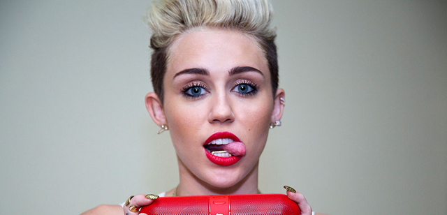 Miley Cyrus Is Topless On Instagram Again, See The Photo Inside!