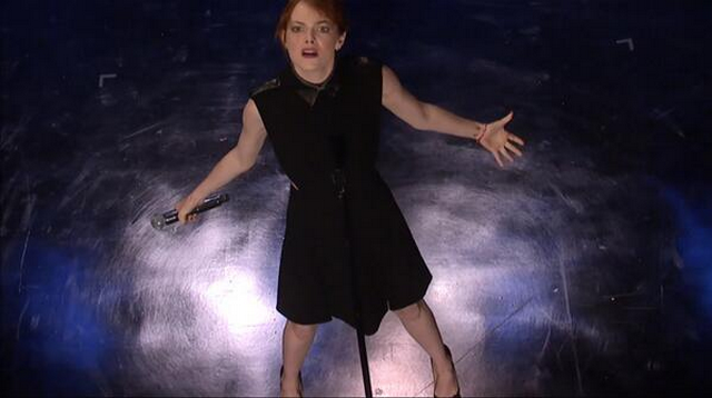 Emma Stone Takes Her Lip Sync Battles Seriously, Makes Jimmy Fallon Look Silly! (VIDEO)