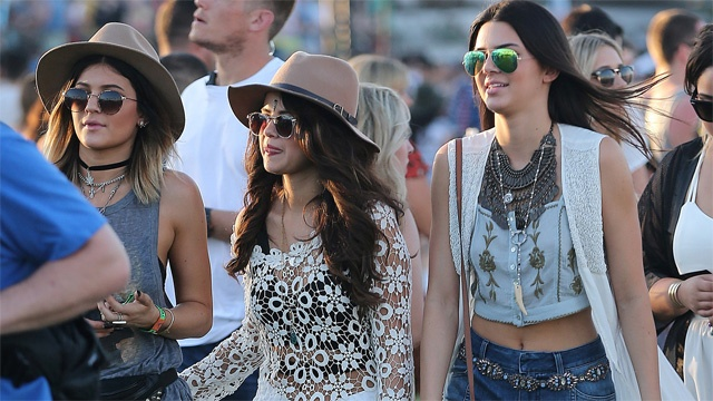 Selena Gomez Dumps Kylie, Kendall And Bieber? Replaces Them With Her Lord And Savior