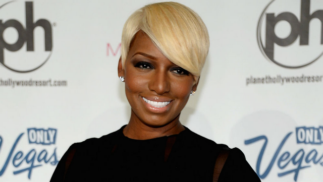"NeNe Leakes Says Producers Should Kick Kenya Moore's ""Stank Booty"" Off The Show!"