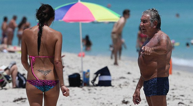 73-Year-Old Roberto Cavalli At The Beach With His Young Girlfriend Is The Most Disgusting Thing You'll See Today