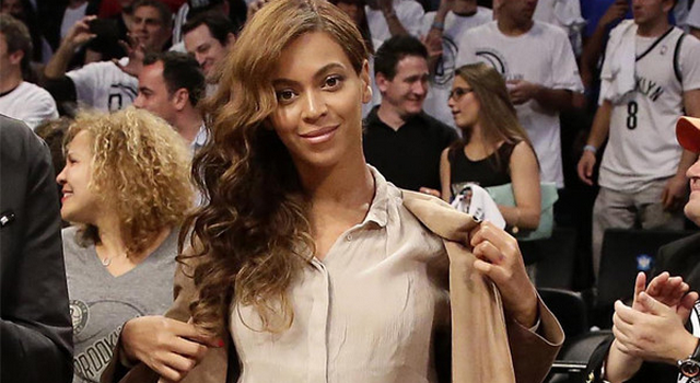 Is Beyonce In The Process Of Removing Her Jay Z Wedding Ring Tattoo?