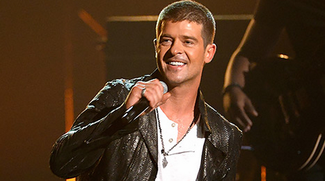 Robin Thicke Awkwardly Tries To Win Paula Patton Back During 2014 Billboard Music Awards (VIDEO)