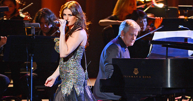 Idina Menzel Suffers Wardrobe Malfunction At Radio City Music Hall Concert (VIDEO)