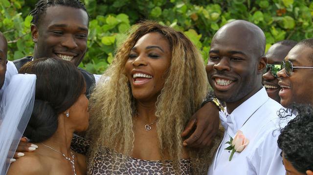 Serena Williams Crashes Wedding While Wearing Leopard Leotard (PHOTO)