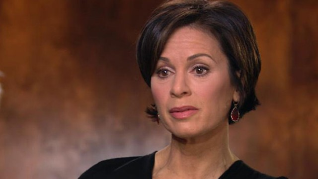 ABC News Anchor Elizabeth Vargas has checked back into rehab.