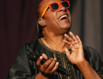 Stevie Wonder and 25 Year Old Fiancé, Tomeekah Robyn Bracy Expecting triplets.