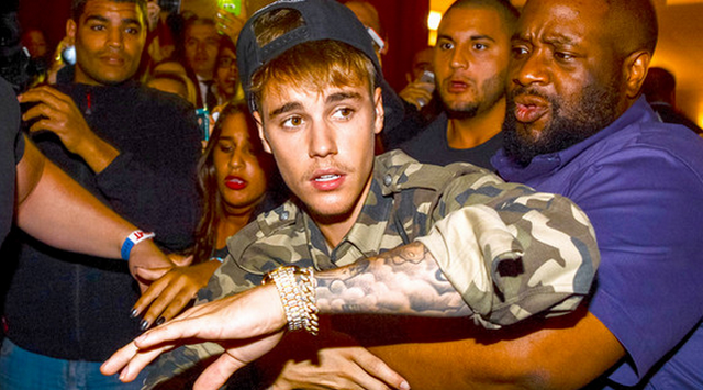 Justin Bieber Starts Throwing Punches In Paris, And We Have All The Pictures!