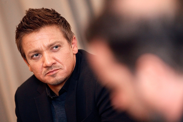 Jeremy Renner Talks About Those Gay Rumors In Candid ...