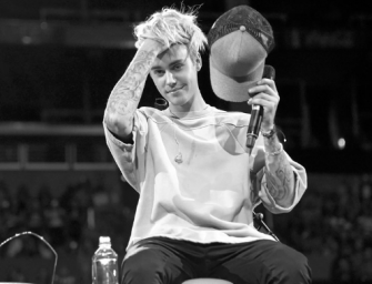 Was Justin Bieber Really Drinking Alone Inside A Gay Bar? We Have The Facts Inside! (PHOTO)