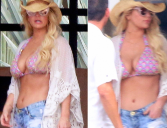 Jessica Simpson In A Bikini In Mexico? Sure, Let's Look At The Glorious Photos!