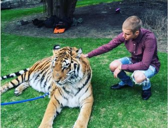 PETA lashes out at Justin Bieber over photo