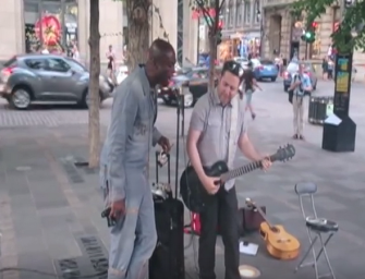 Seal Couldn't Find His Hotel, So He Dropped His Luggage And Performed 'Stand By Me' With Street Musician (VIDEO)
