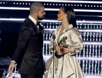 "Drake Reveals He's ""In Love"" With Rihanna During Heartfelt Speech At MTV Video Music Awards, Twitter Demands A Proposal! (VIDEO)"