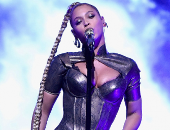 OUCH! Beyonce Rips Earlobe During Concert, Keeps Performing Like It Ain't No Thing (VIDEO)