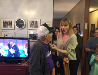 Taylor Swift Makes Christmas Extra Special For 96-Year-Old Fan By Surprising Him Inside His Home (VIDEO)