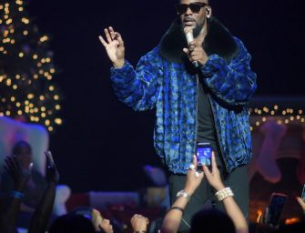 Another Girl Speaks Out On This R. Kelly Mess, Claims She Was Almost Trapped By The Singer, But Her Mom Saved Her From The Cult Of Kelly!