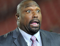 WHAT? Dude Pretending To Be A Fan Blindsides Warren Sapp By Serving Him With Lawsuit Papers, Watch The Crazy Video Inside!