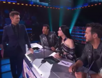 Does This Clip Prove Ryan Seacrest Truly Is A Creep? Watch As He Awkwardly Flirts With Katy Perry During 'American Idol' Commercial Break (VIDEO)