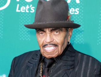 Joe Jackson Is Living Out His Final Days Inside Hospital, Posts Terribly Sad (Uplifting?) Photo On Twitter