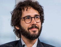 Josh Groban Is As Surprised As You Are That Katy Perry Wrote 'The One That Got Away' About Him (VIDEO)