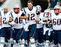 "Tom Brady Screams At His Teammates 'Do Your Job!"" During Loss To The Jaguars (VIDEO)"