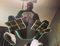 Floyd Mayweather Took His Private Jet To Iceland Just To Take Some Photos For Instagram